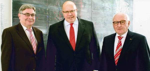 Bild Besuch Bundeskanzleramt Bundesminister Altmaier (web 600x286)