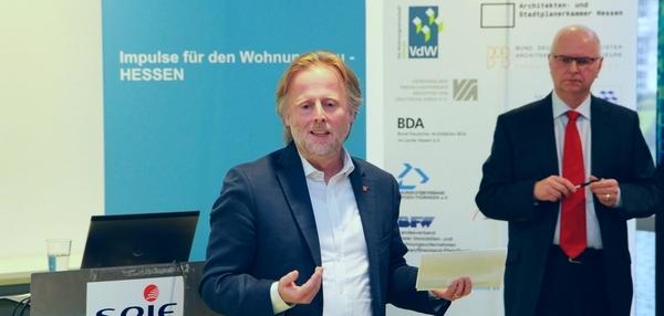 16_02_09 Diskussion Bm Olaf Cunitz (web 600x286)2_IW-Hessen